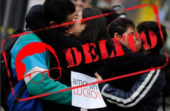 Fech bacio studenti cileni