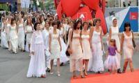 """il docu-film """"io sto con la sposa"""" irrompe al Festival di Venezia"""
